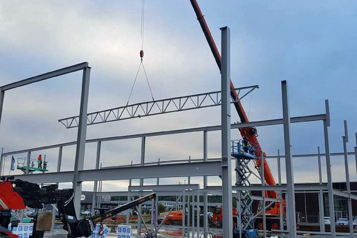Stålstommen på gång för Skodas koncepthall